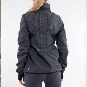 Lululemon Run Hustle Jacket Black Micro Stripe 6
